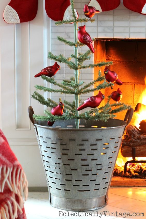 vintage-olive-bucket-christmas-decor