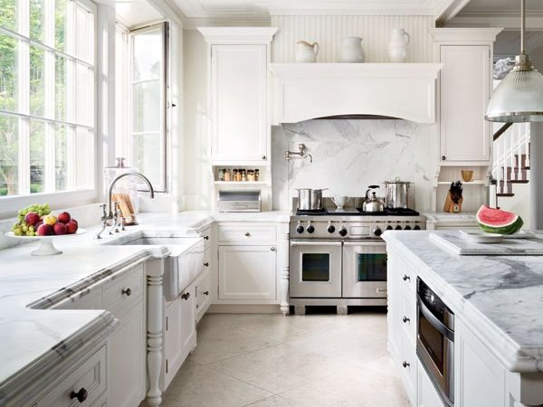 Friday Favorites – The Timeless Beauty of White Kitchens