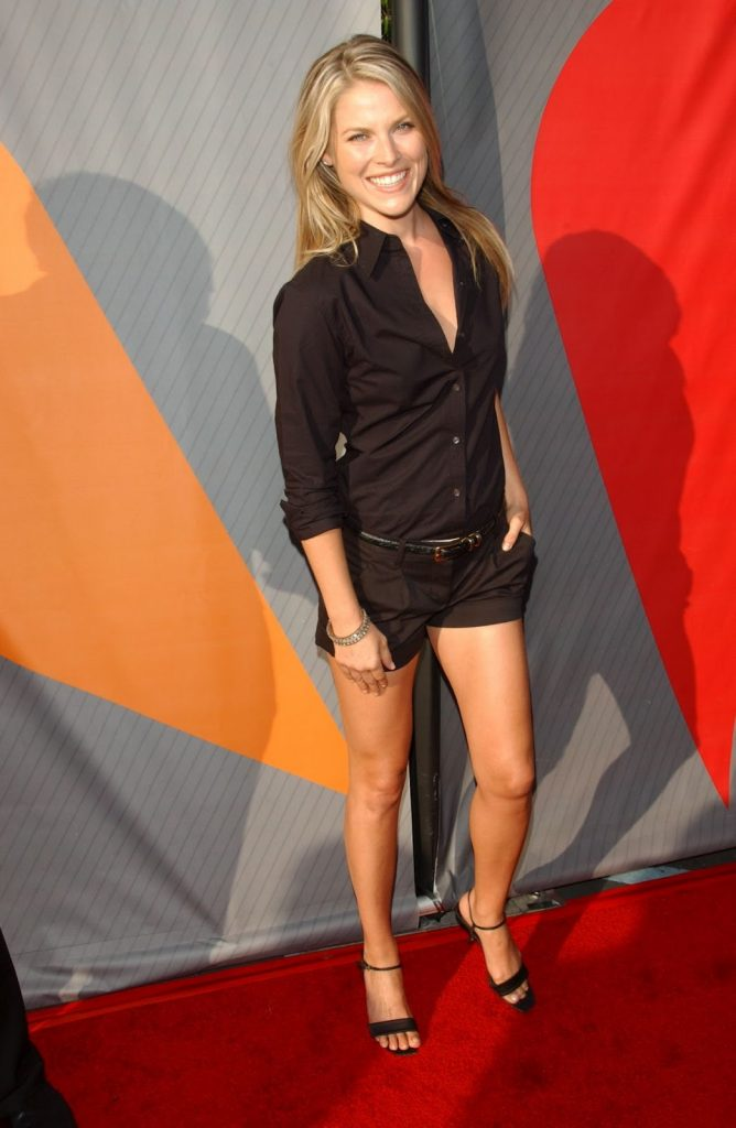 dressy shorts black and black blouse red carpet summer fashion ali larter