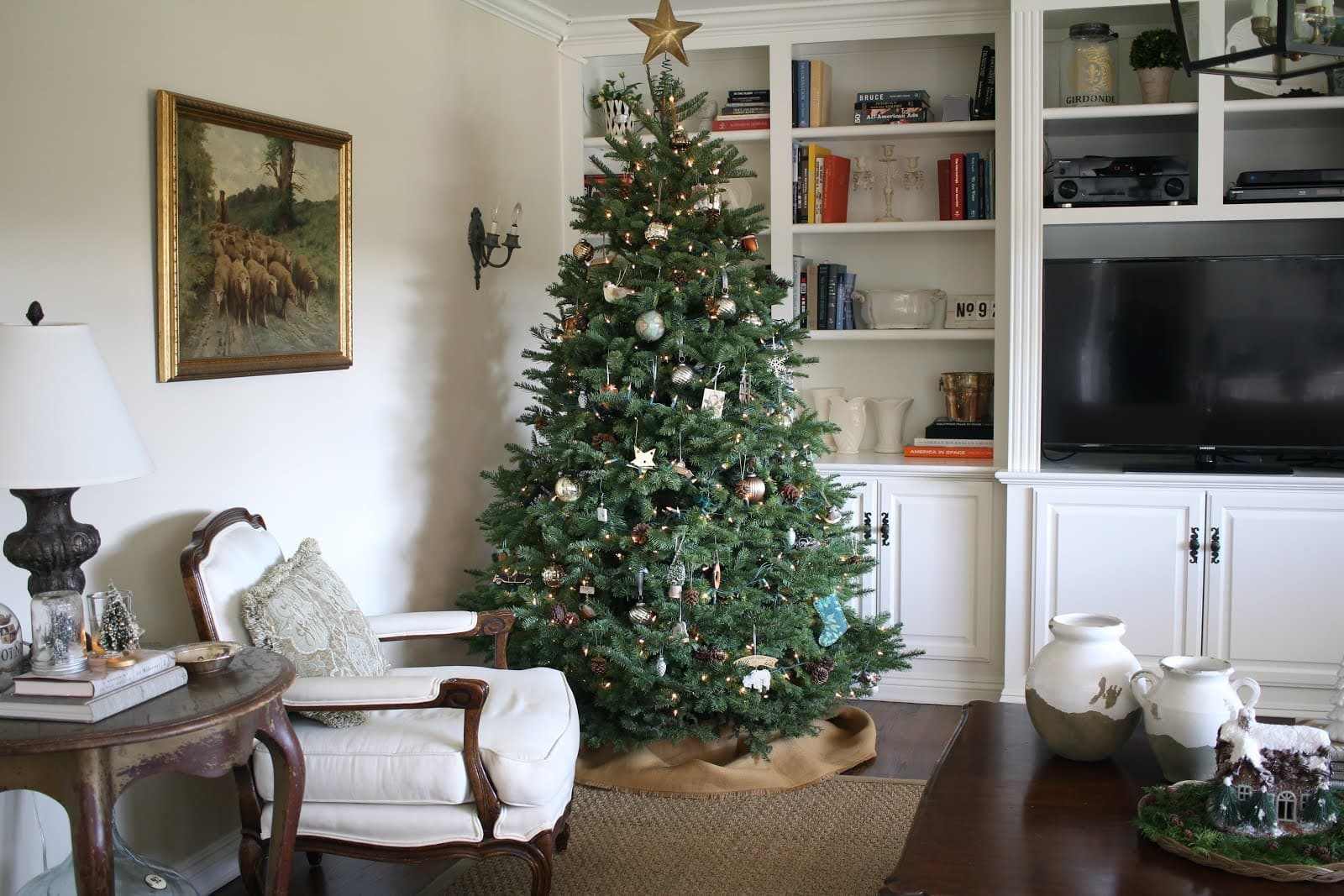 farmhouse inspired christmas tour i used a live tree in the family room with a burlap tree skirt - A Farmhouse Christmas