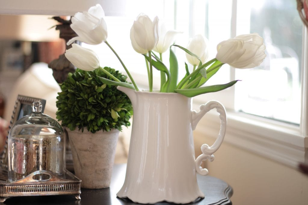 white-tulips-topiary-pitcher-vignette-pitcher