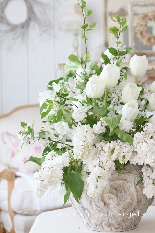 white-tulips-freesia-crusty-pot-shabby-chic-farmhouse-style