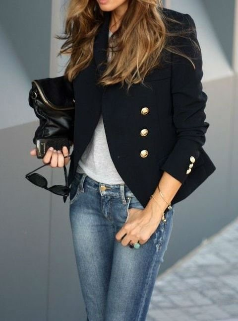 double-breasted-blazer-black-jeans