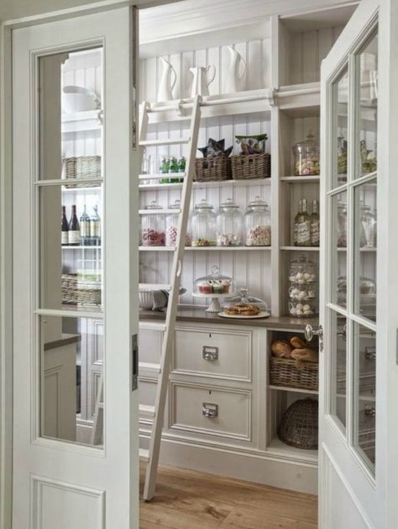 white-kitchen-butlers-pantry charming