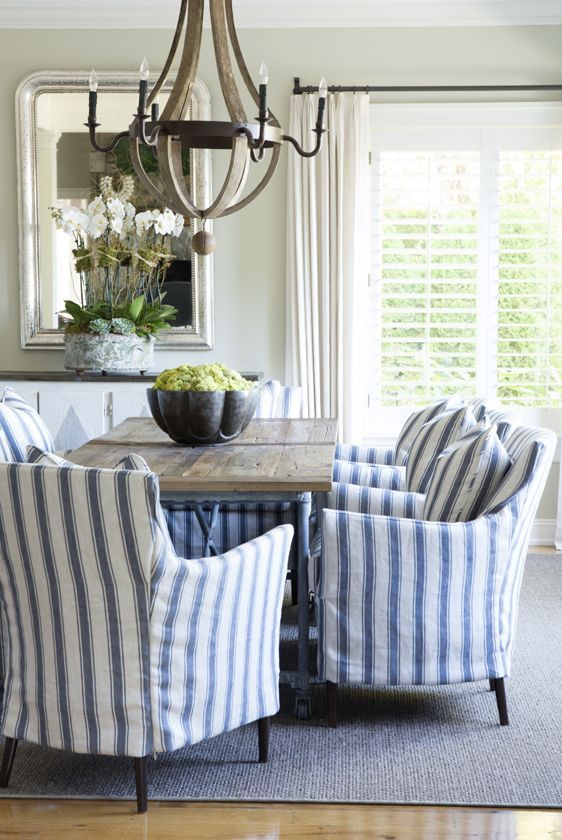 blue-and-white-dining-room