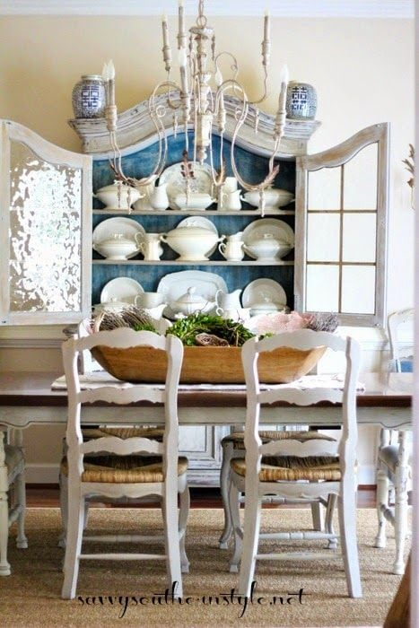 blue-and-white-dining-room-3