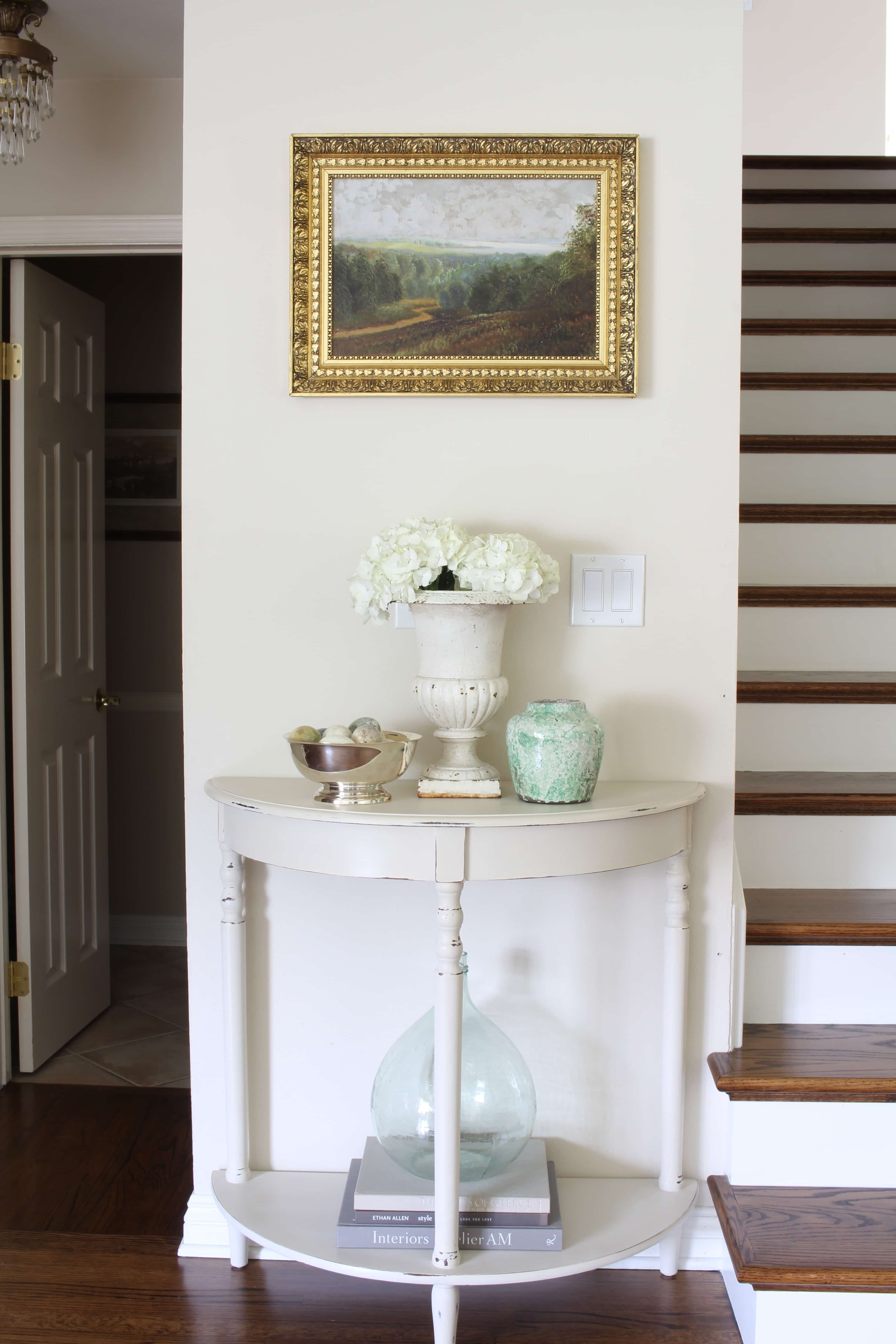 gorgeous-entry-way-table-artwork