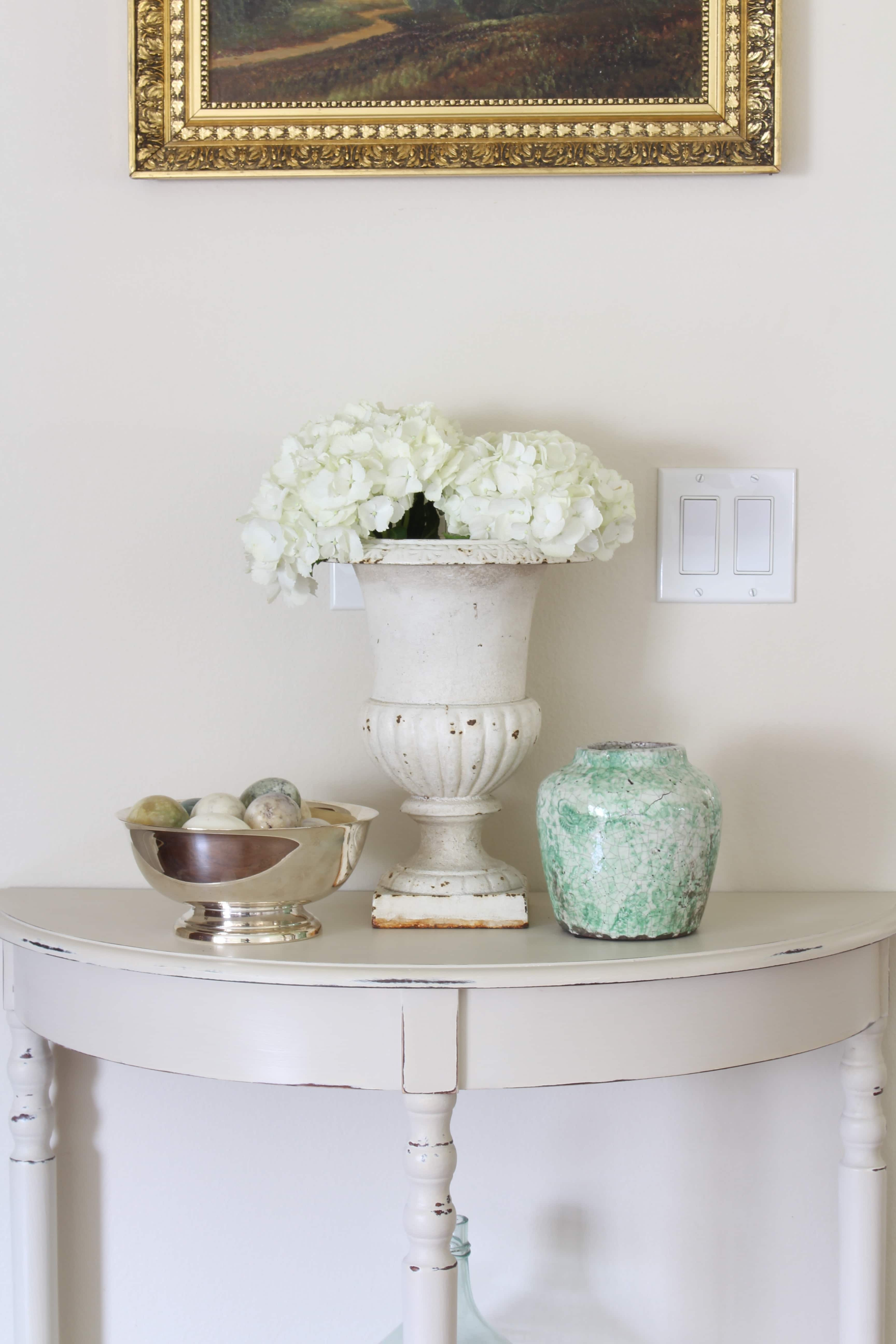 gorgeous-entry-way-table