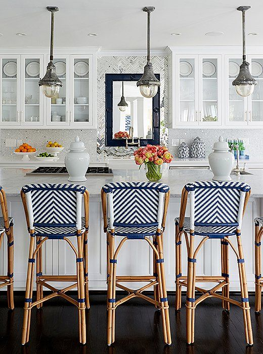 blue-and-white-kitchen
