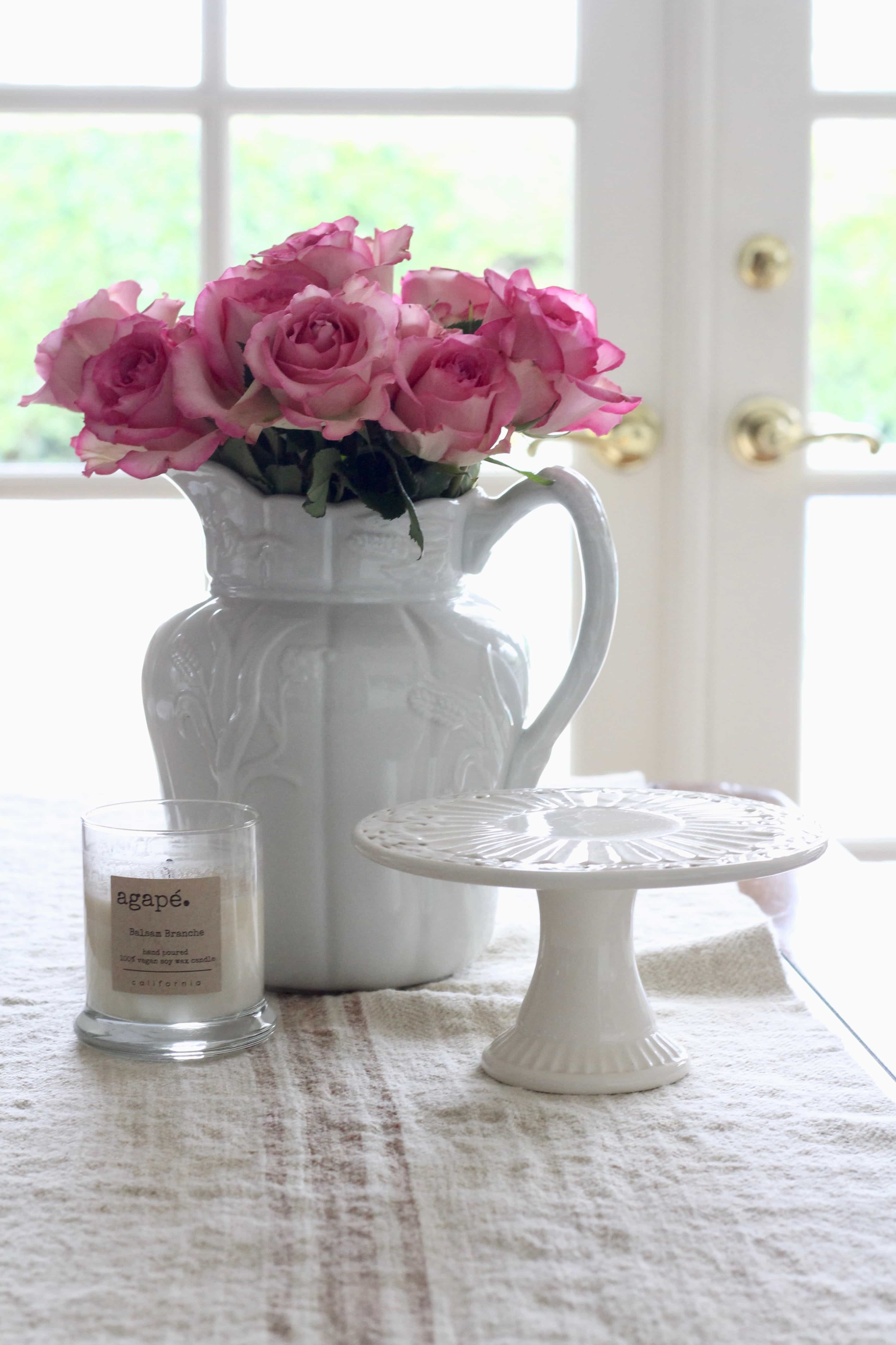 pink-roses-decorating-flowers