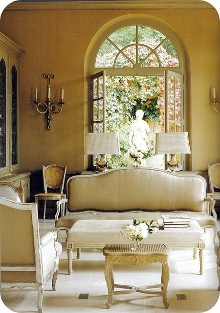 fabulous-linen-ottoman-coffee-table