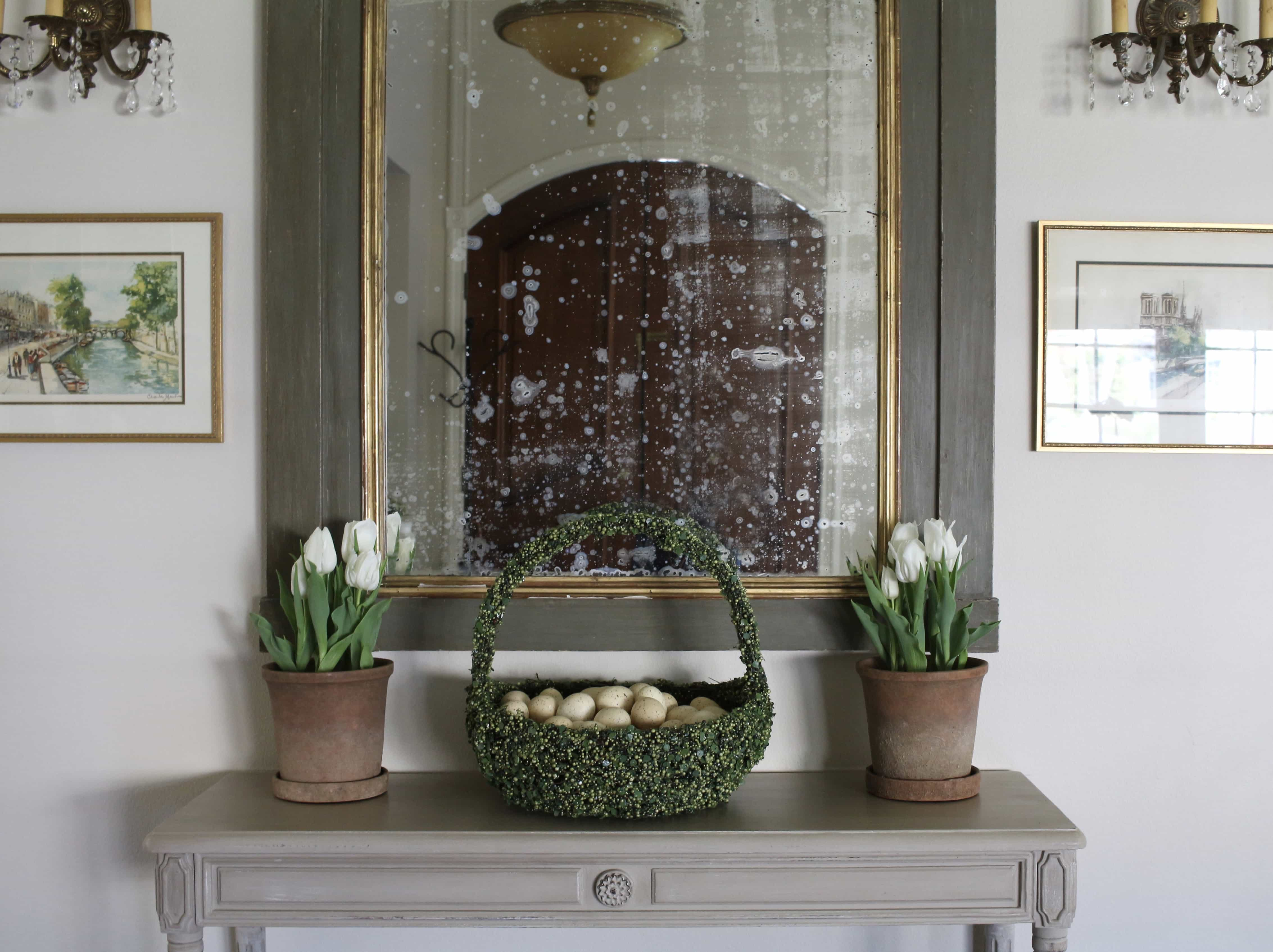entry-easter-decor-tulips