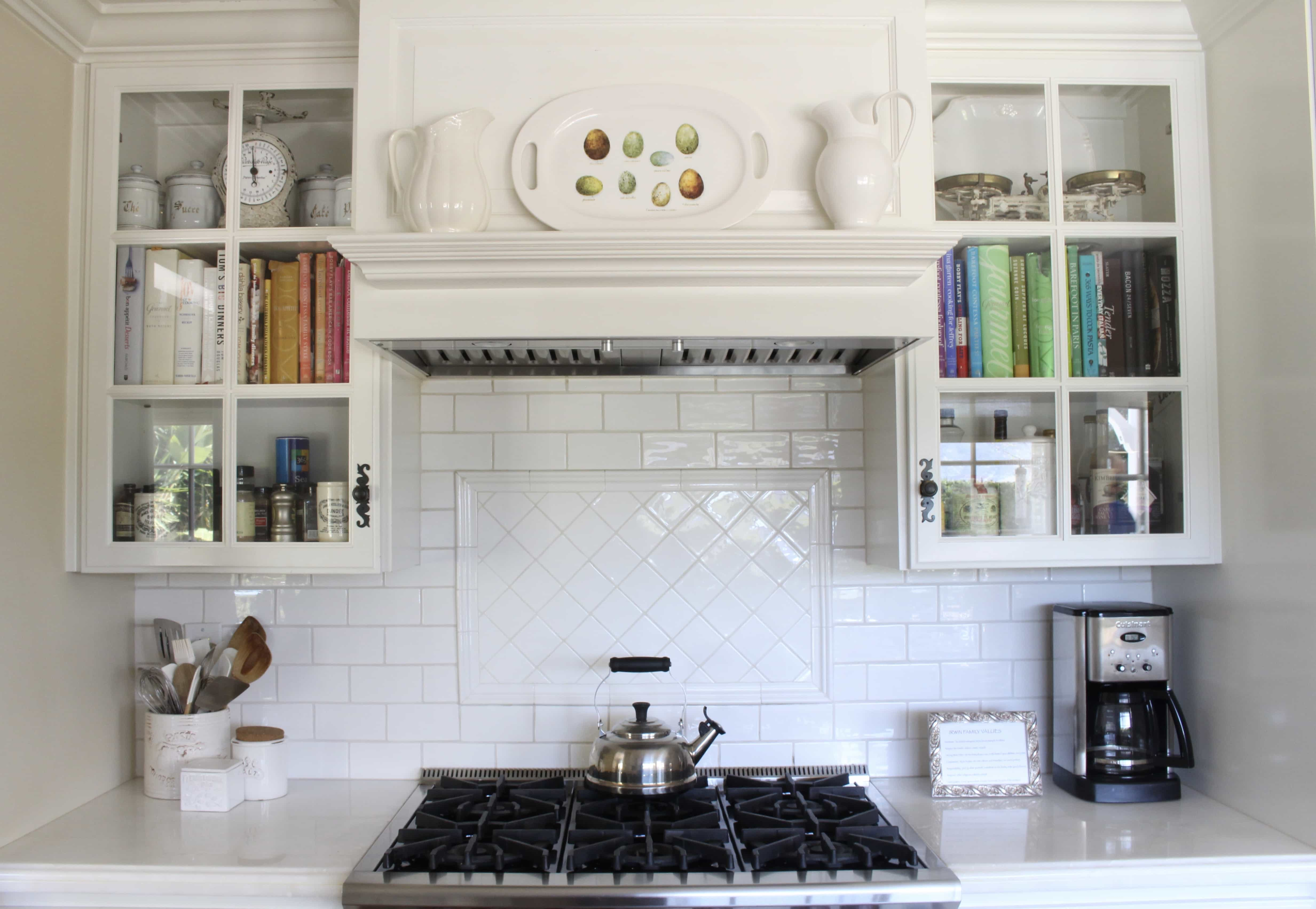 easter-decor-kitchen-mantel