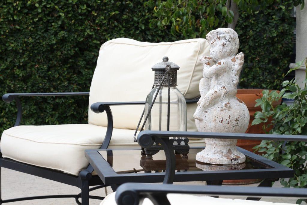 outdoor-space-decor-statue-lantern