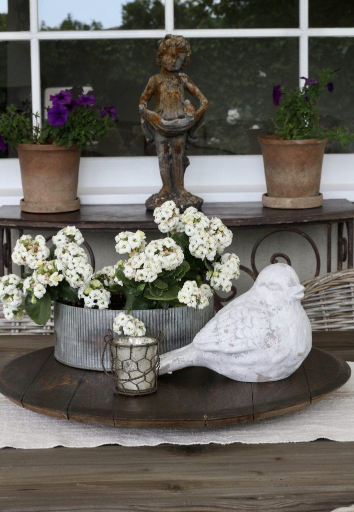 outdoor-space-decor-flowers