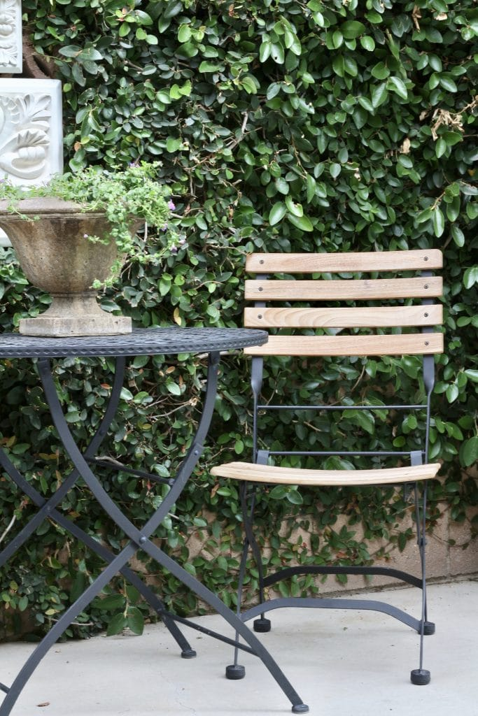 outdoor-space-bistro-table-close-up