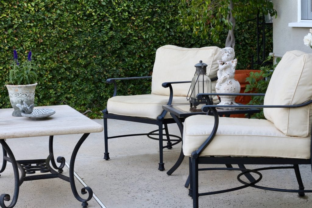 outdoor-space-seating-area
