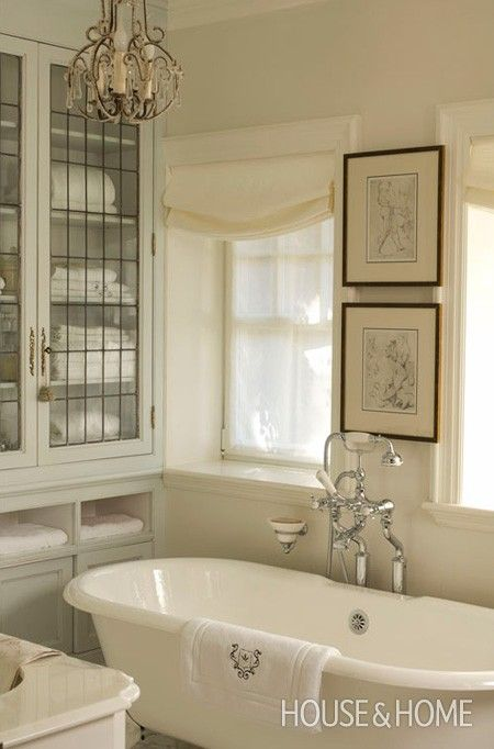 art-bathroom-white-3