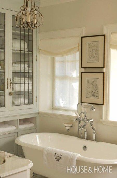 art-bathroom-white-3