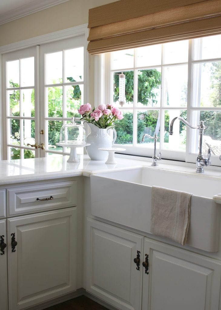 summer-home-tour-white-kitchen-pink-peonies