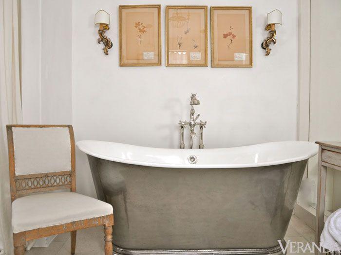 art-bathroom-pewter-tub
