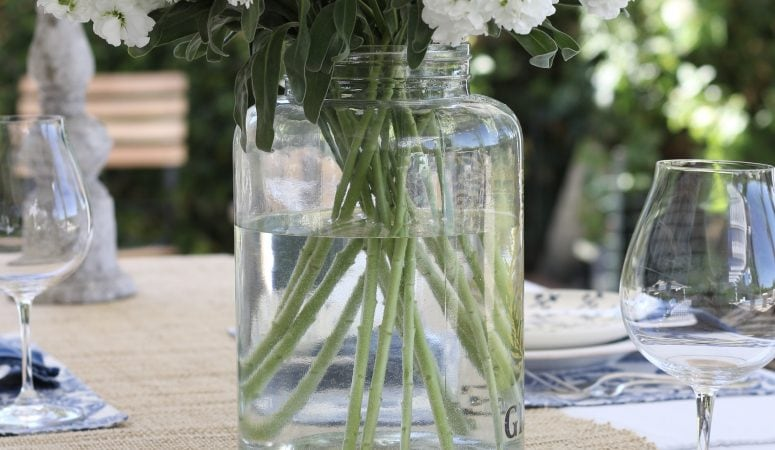 Simple Summer Tablescape in Blue and White