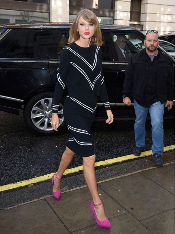 pink-accessories-heels-taylor-swift