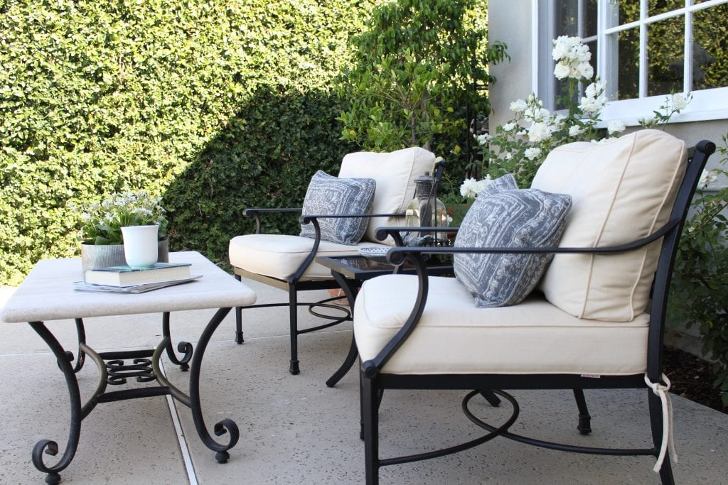 backyard furniture lounge area table chairs