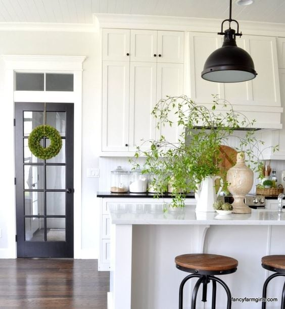 black and white farmhouse kitchen