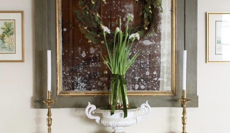 Simple French Inspired Christmas Entryway