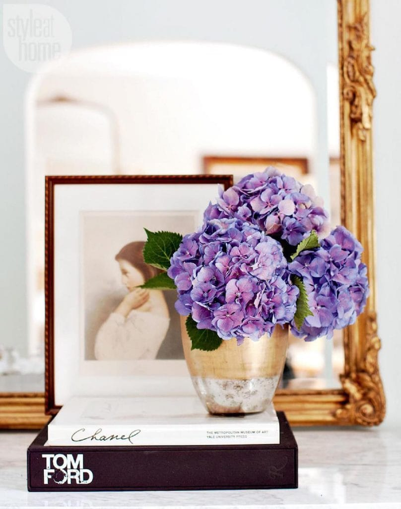 violet pantone color of the year hydrangeas vase gold mirror