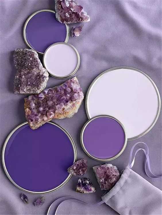 violet pantone color of the year