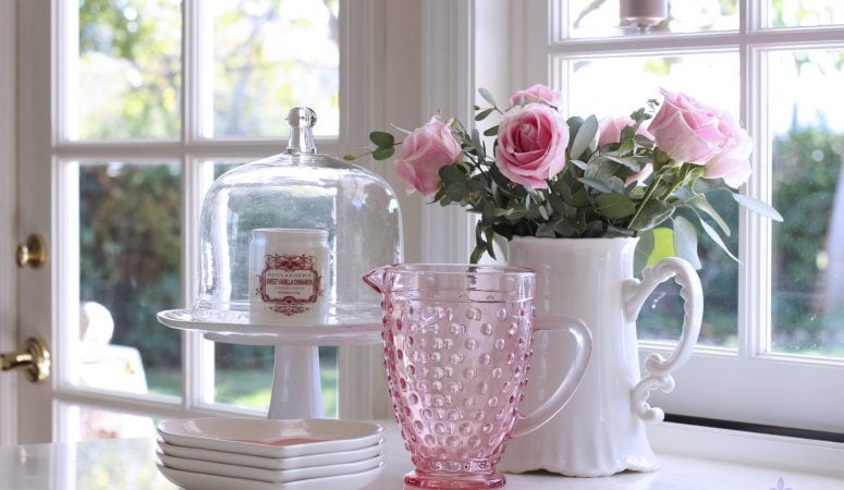 Simple Valentine's Day Decorating with Flowers