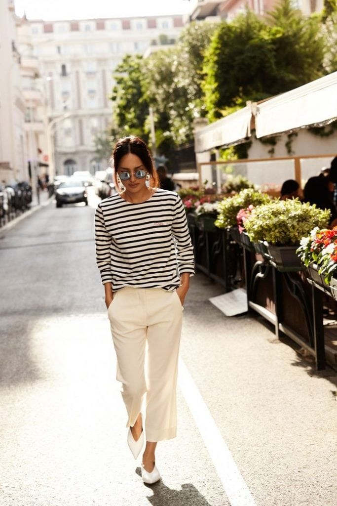 stripes tee white pants street style French fashion chic