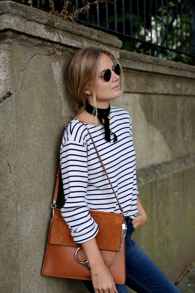 stripes black and white tee scarf great handbag chic French fashion style