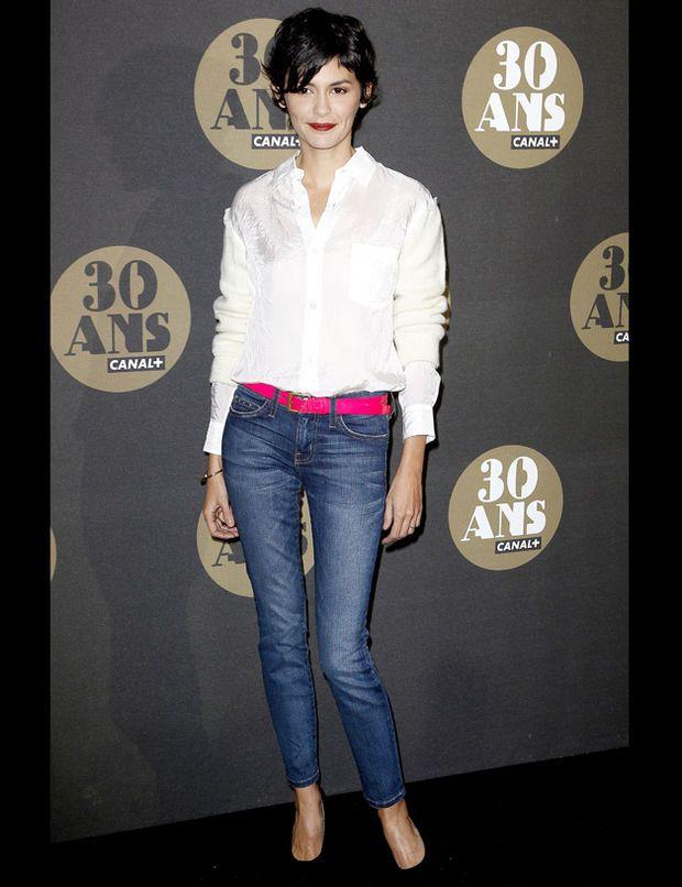 french style audrey tatou jeans white shirt pumps chic fashion
