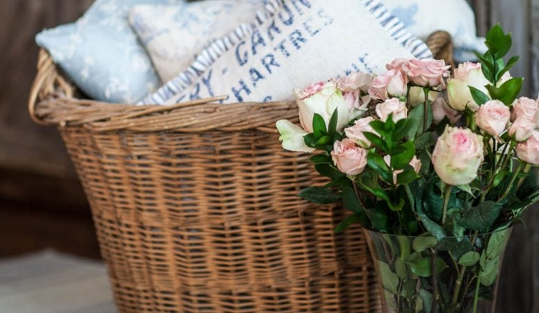 French Country Fridays – Florals, Baskets, and Mixing it Up!