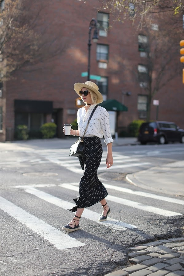 polka dots white blouse black skirt hat and espadrilles cute summer fashion style