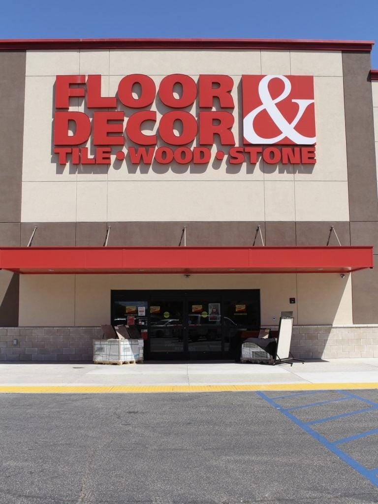 Floor & Decor store front
