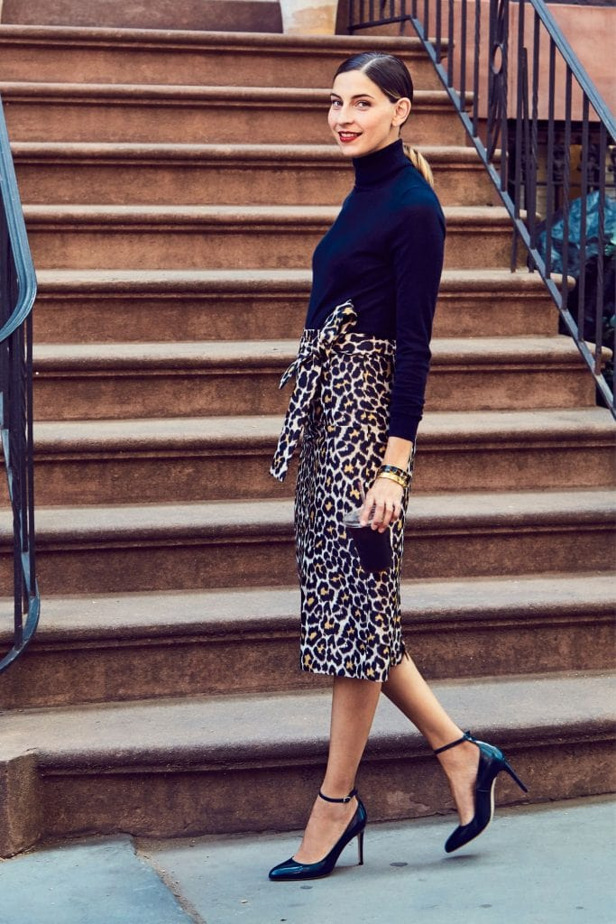 animal print trend black turtleneck leopard skirt chic fall street fashion