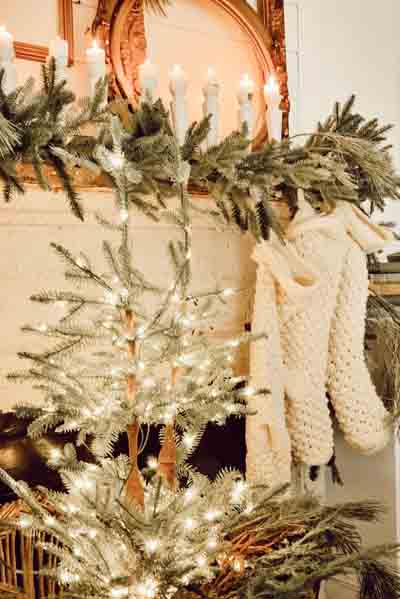 A white sparkly mantel display.