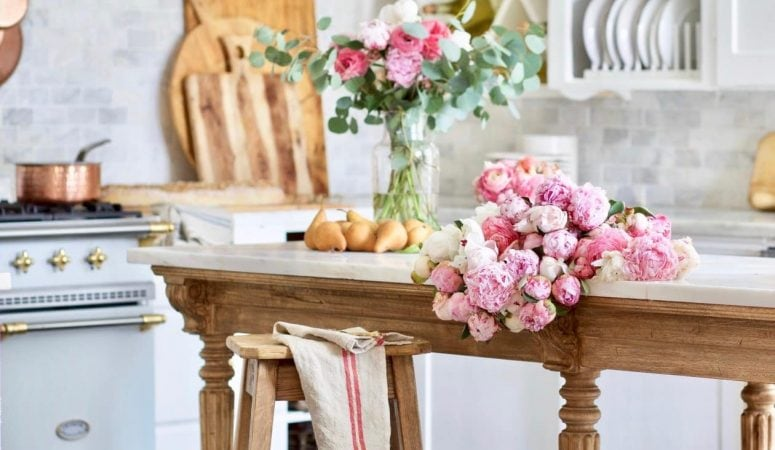French Country Fridays – Floral Styling, Spring Decor, and a Podcast