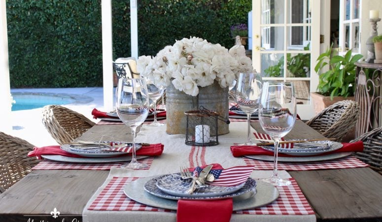 Patriotic Table Setting – 14 Ideas for Summer Table Inspiration