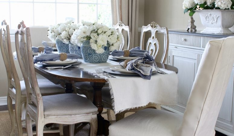 Simple yet Elegant Summer Table Setting in Blue & White