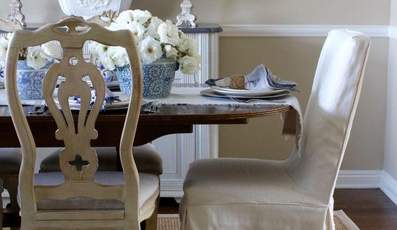 Simple yet Elegant Summer Table Setting in Blue & White