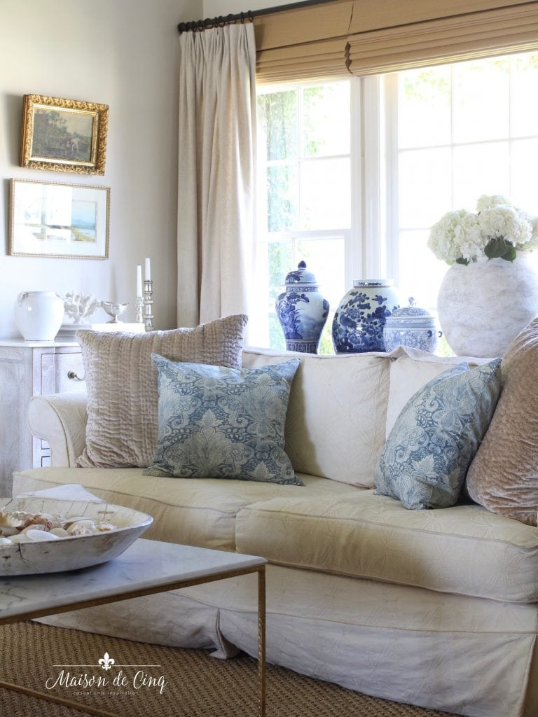 summer decorating ideas blue and white living room ginger jars