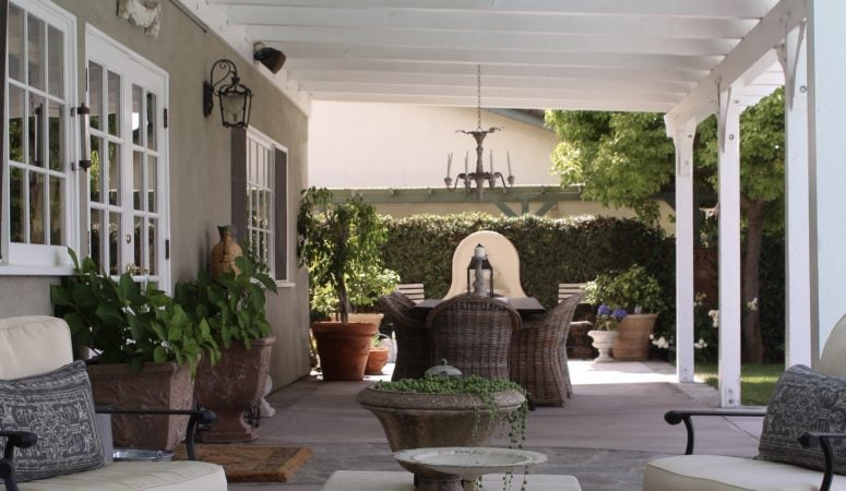Eight Awesome Outdoor Decorating Ideas