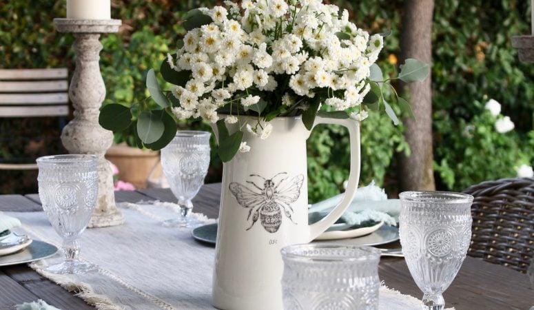 Six Tips for a Charming & Simple Farmhouse Table Setting