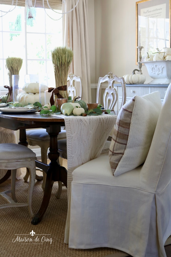 gorgeous fall table setting in french farmhouse dining room thanksgiving table ideas