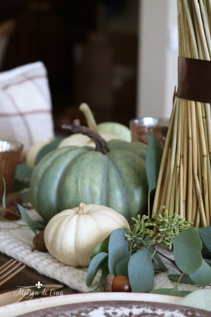 green and white pumpkins table setting for fall thanksgiving